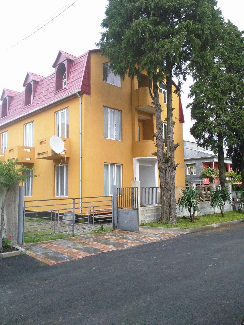 Tsiras guest house